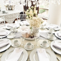 Primera Comunión Simone - un brunch entre grises, blancos y plateados