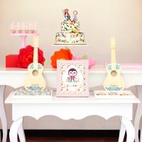 Celebrando con flores y guitarras - 3. Cumpleaños de Julieta